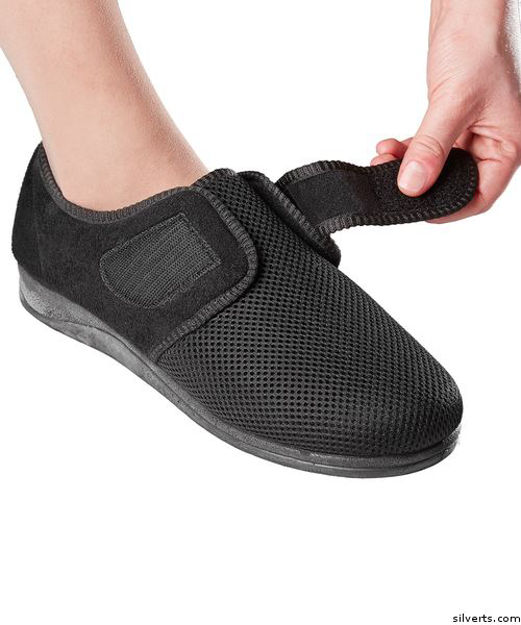 Womens Size 12 Comfortable Indoor/outdoor Shoe Slippers With Adjustable Closures
